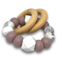SAGA TEETHING RATTLE / MAUVE
